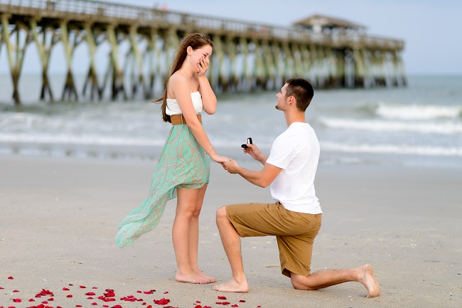 Men Get Down On Their Knees While Proposing