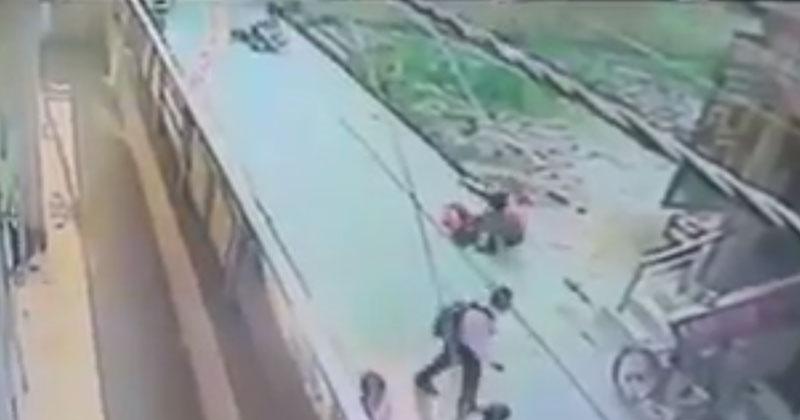 Delhi Girl Stabbed 28