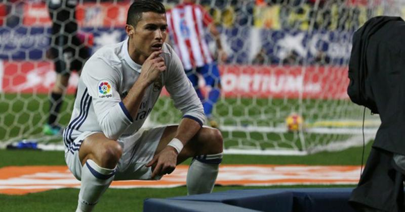 Ronaldo Squat Pose