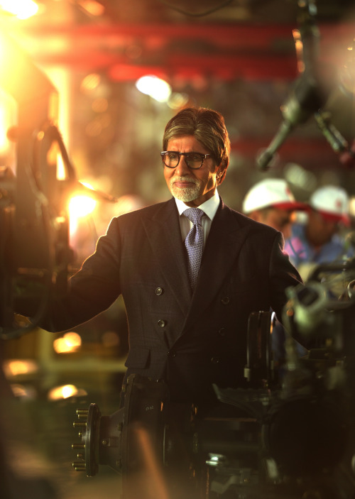 Amitabh Bachchan Is Now Working In His Son-In-Law's Factory