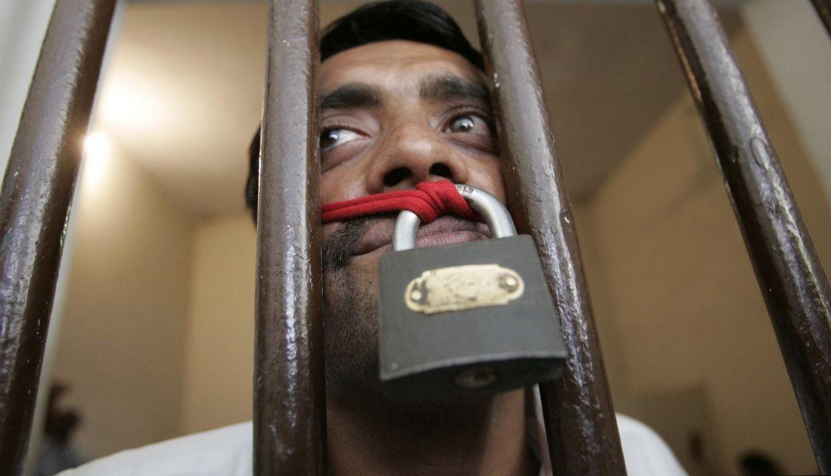 ban on Kashmir Reader