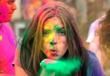 Five Best Places To Celebrate Holi In India