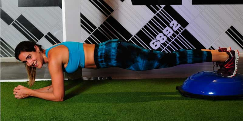 Women doing planks exercise | benefits of Plank