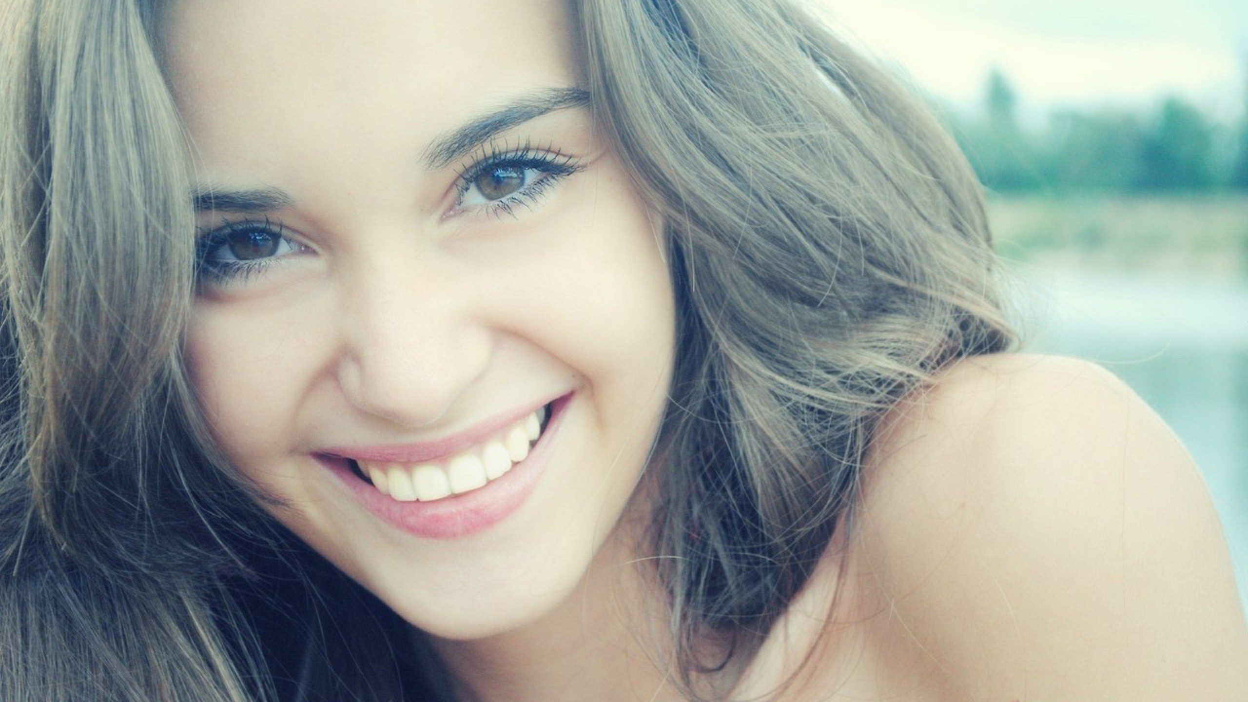 4 Things To Do If You Want Your Teeth To Be Strong and Shiny (2)