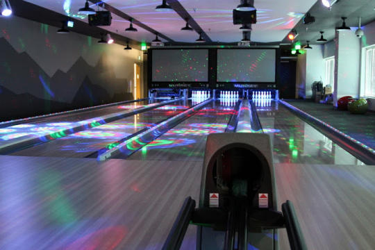 Google's Mountain View office also has a bowling alleyGoogle's Mountain View office also has a bowling alley