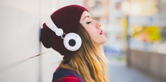 10 Songs To Listen To When You Feel Like Anxiety Is Kicking In
