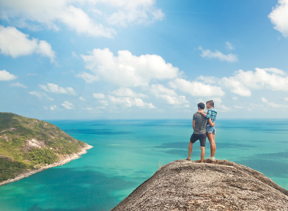 10 Tips to Survive Traveling as a Couple