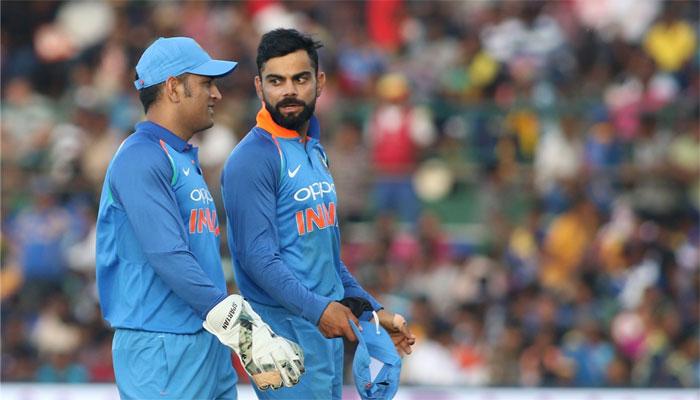 Virat kohli backs ms dhoni after the india vs new zealand for Smart cricket