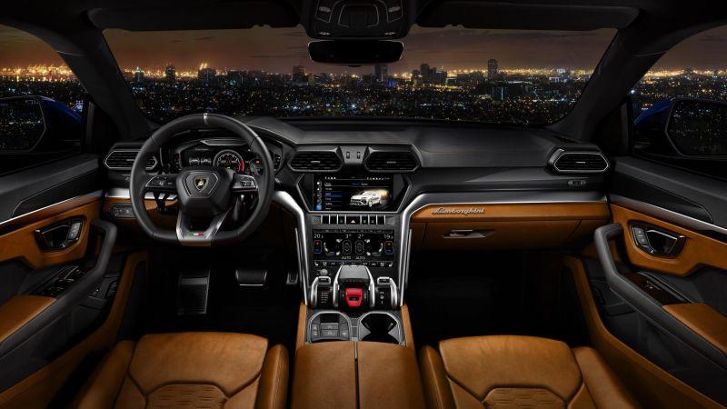 Lamborghini Urus interiors