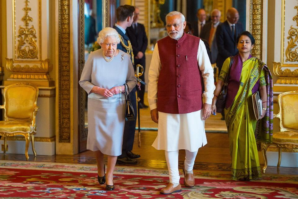 PM Narendra Modi and queen of england