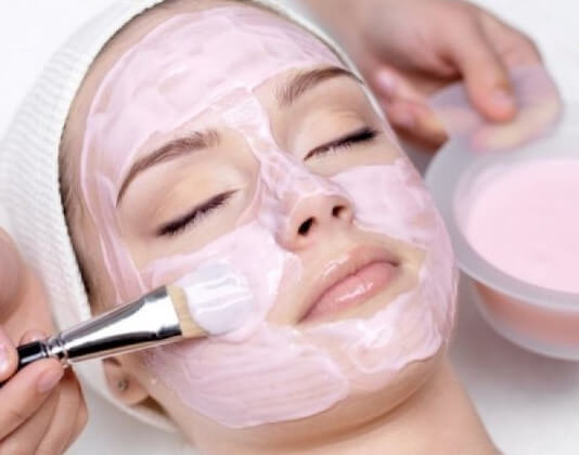 5 Natural Face Masks To Keep Your Skin Healthy And Glowing!