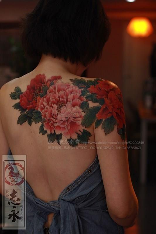 sexy back tattoo 19