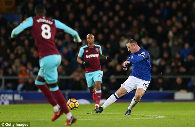 wayne rooney Everton hat-trick