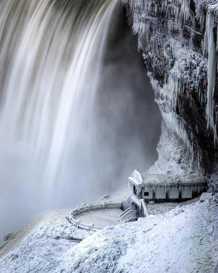 Niagara pictures frozen of falls