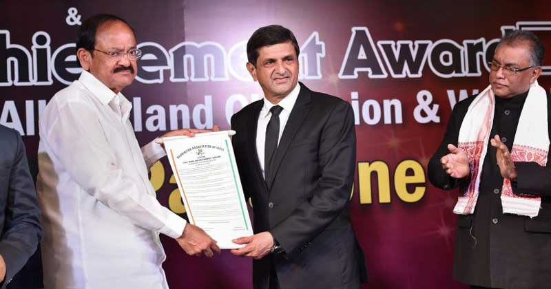 Prakash Padukone Receives 'Lifetime Achievement Award' From BAI While Deepika Breaks Down