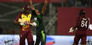 pakistan smash windies