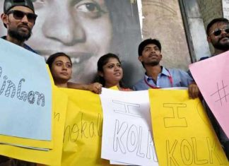 Kolkata Youngsters Protest Against The Recent Metro Moral Policing Case