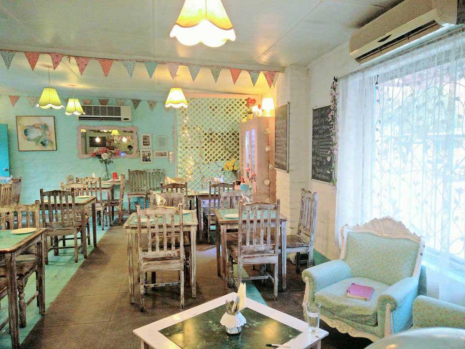 Rose Café Saket
