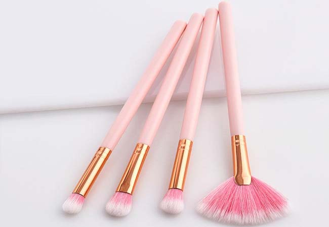 reshape makeup brush