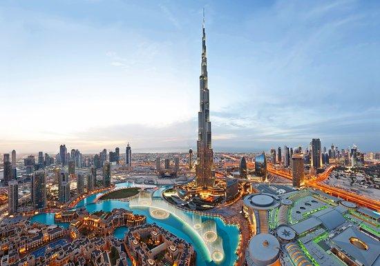 landmark buildings that use solar power