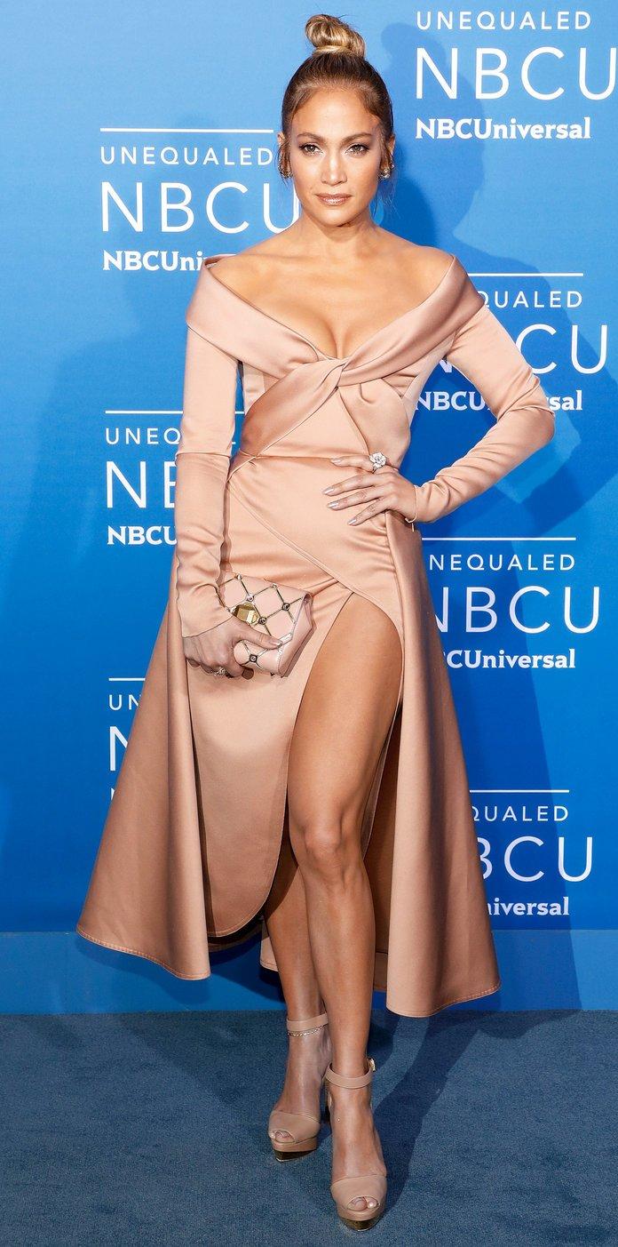 best red carpet looks of Jennifer Lopez