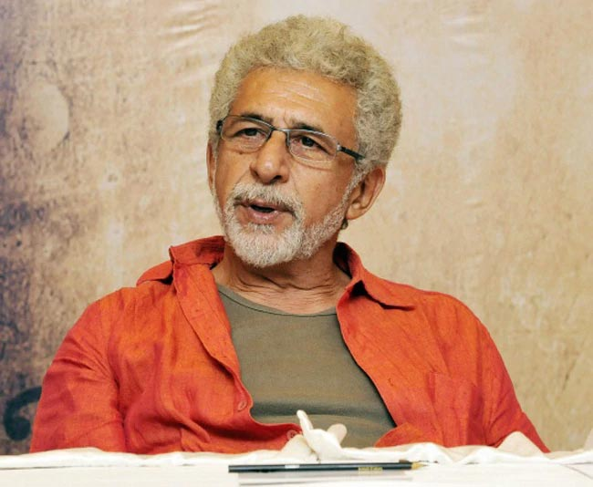 Naseeruddin Shah writing