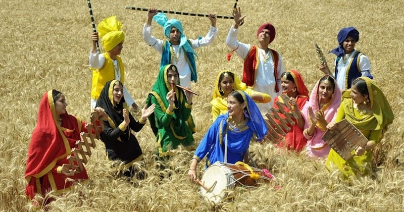 How is Vaisakhi celebrated