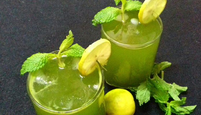 Juice of Mint or Coriander Leaves