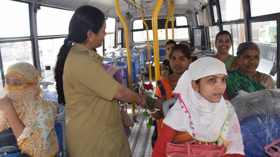 Free Ride To Women In Buses