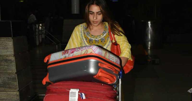 Sara Ali Khan at the Mumbai airport
