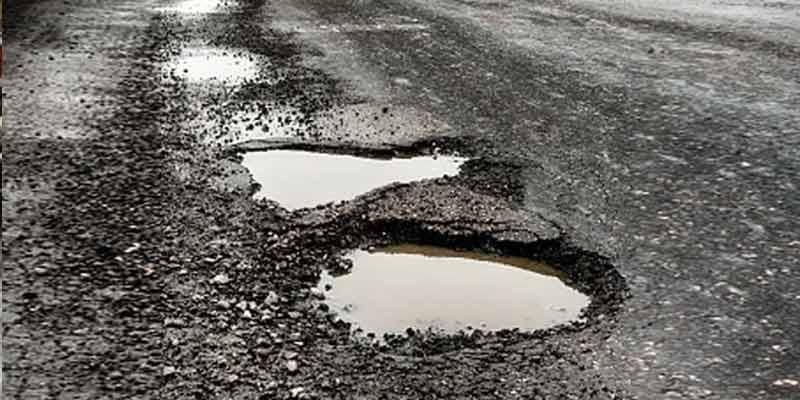 Poor Roads Condition In Mumbai