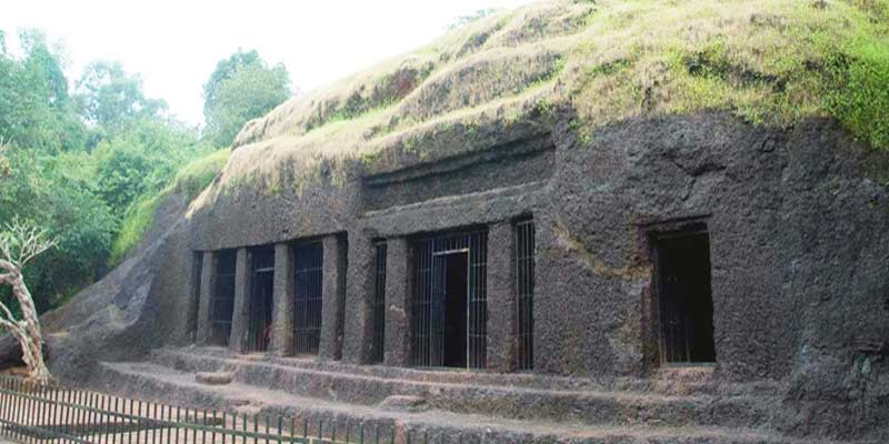 Arvalem Caves, Top Offbeat Places In Goa