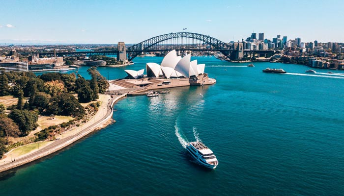 Australia sixth largest country in the world
