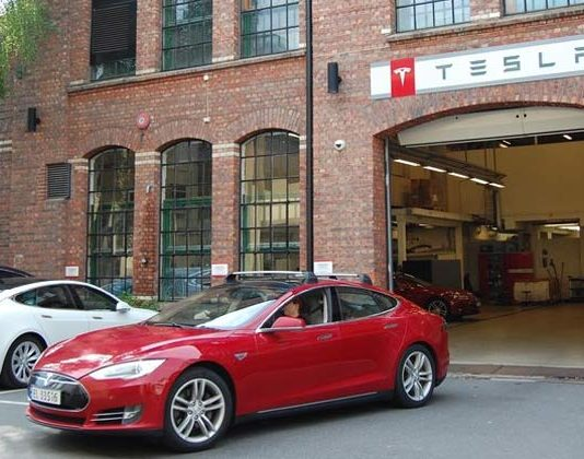Electric Cars Hit record