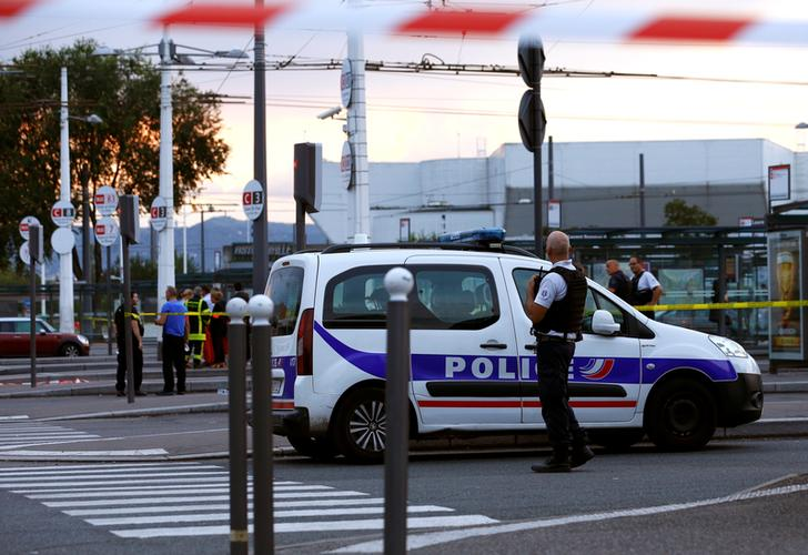 Pakistani migrants caught in France