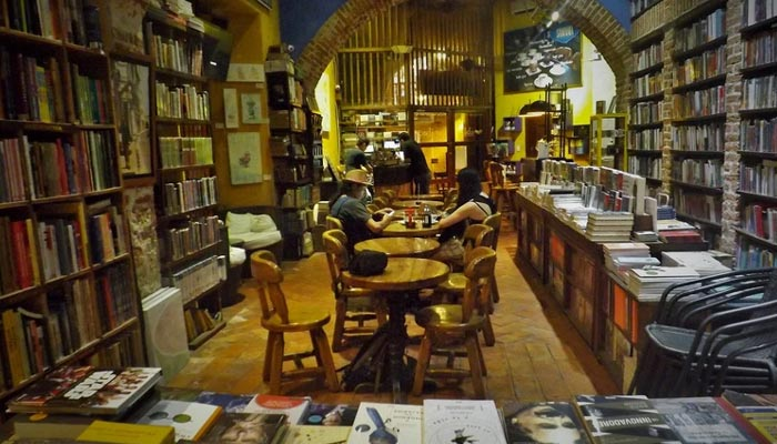 books cafe in Cartagena