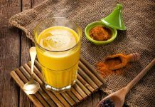 drinking turmeric milk in winters