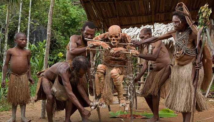 Dani burial (Papua New Guinea)