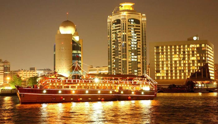 Dinner cruise tour on new year eve in dubai