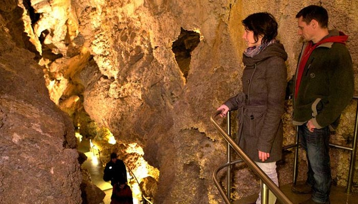 Discover caves in Budapest