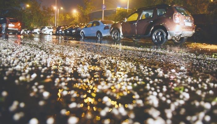 Hailstorm hit delhi