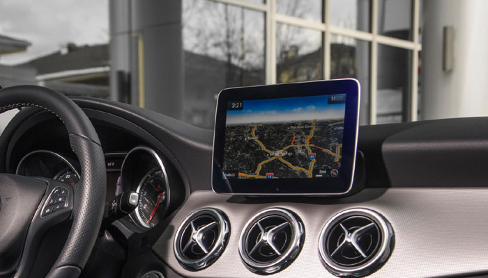 Navigation devices in car