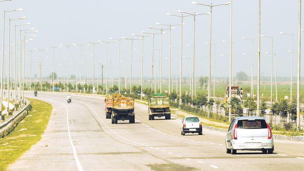 Delhi-Mumbai highway