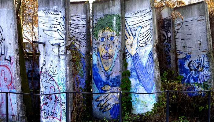 Berlin wall history