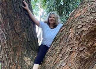 Hrithik Roshan mother pic climbing a tree