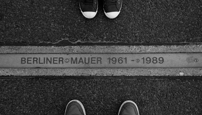Reasons behind Berlin Wall