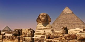 curse of the pharaohs and Pyramids