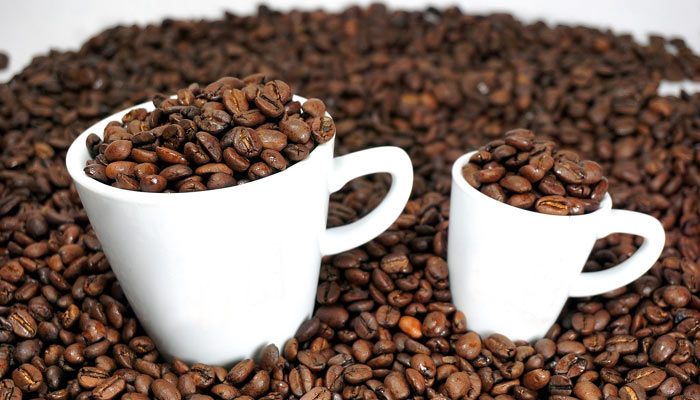 does Caffeine make hair stronger and thicker