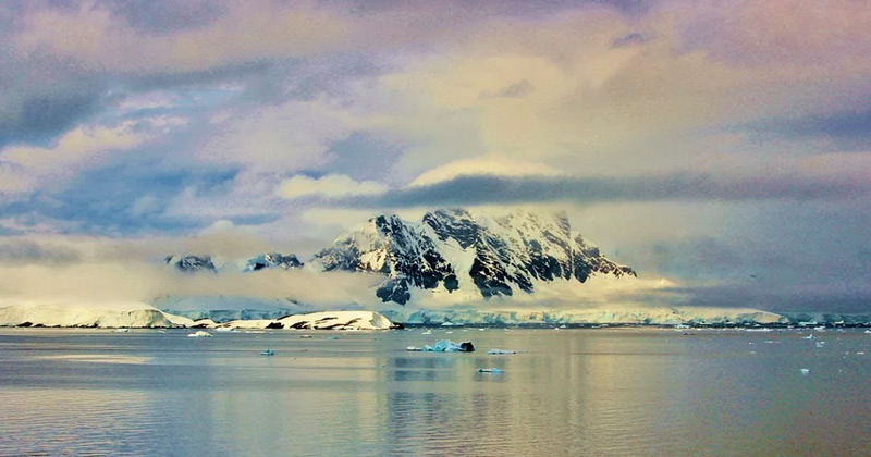the south pole   Which is colder north pole or south pole