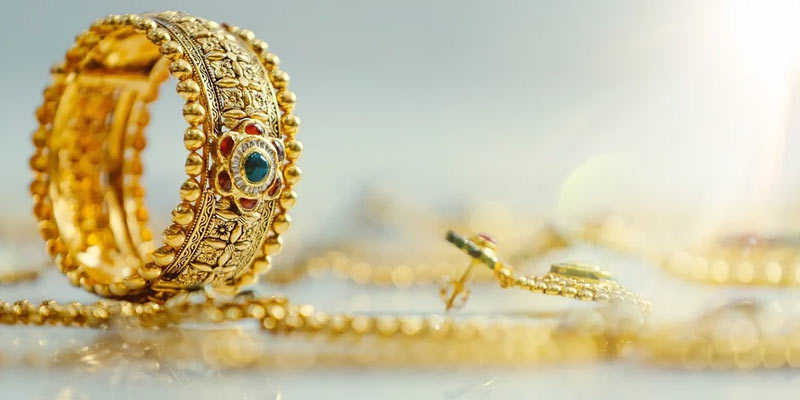 cleaning gold jewelry | How to clean gold jewelry